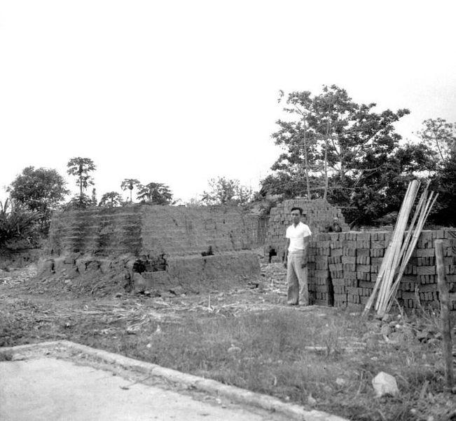 De steenbakkerij van Persyn in de kleinlandbouwkolonie Brassan Banyuwangi Oost-Java