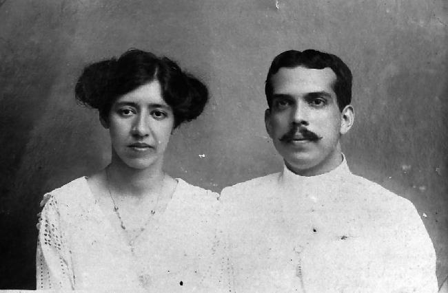 De grootouders van Louise Hompe: Mary Welter en Willem Hompe in 1916. Willem Hompe was een van de 5600 slachtoffers van het Japanse schip Junyo Maru dat op 18 september 1944 werd getorpedeerd ten zuidwesten Sumatra  Foto: privécollectie Erven Hompe