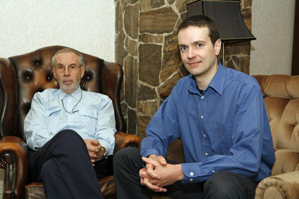 Ron Tempel met zijn vader in 2006. Foto: Wilma Manders