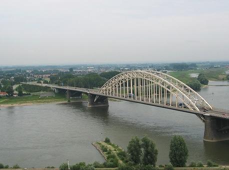 Uitzicht op Nijmegen-Noord  Foto: HermanSchimmel.nl