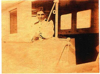 Godfried Abraham Schotel als jonge stuurman 3e klasse der koopvaardij (1923) Bron: persoonlijke collectie Erven G.A. Schotel