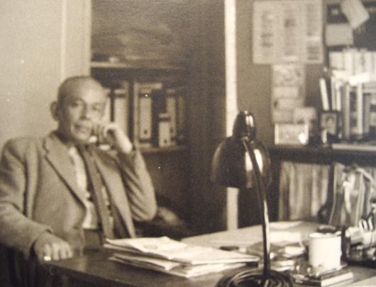 Directeur H.A.P. de Santy in zijn kantoor begin jaren '60 Bron: fotocollectie De Santy