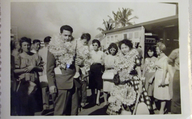 Rob and Sophie de Bos arriving in Hawaï August 12th 1961.  Photo: collection Rob and Sophie de Bos