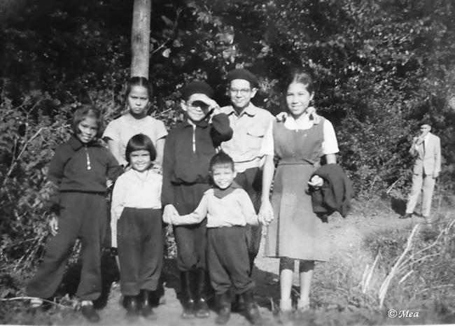 Foto tijdens ons verblijf in Roden (Drente) Ik sta tweede van links staand