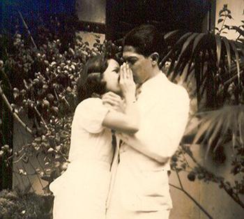 Mijn ouders Ben en Tine van Raemdonck-Dumas op hun verlovingsdag