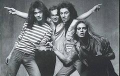 Alex Van Halen en de voltallige band rond 1978